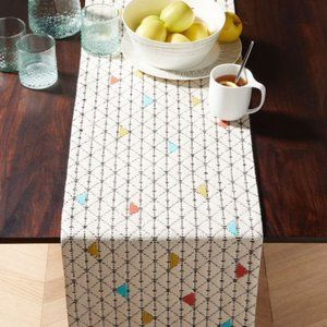 CRATE AND BARREL dining table runner